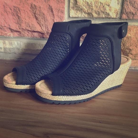 Skechers Shoes   Skechers Monarchs Blue